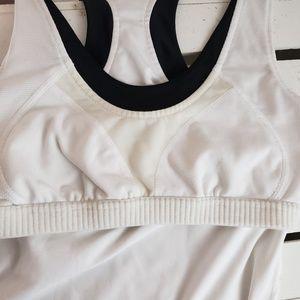 Nike Tops - Nike black white Athletic top Built in bra sm 4-6